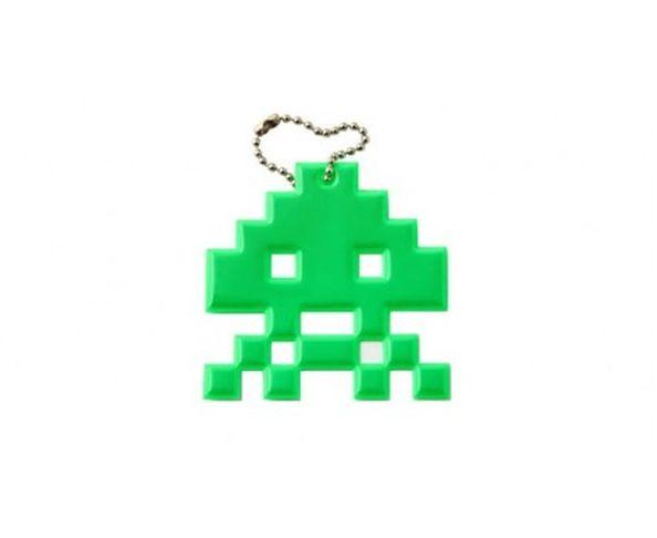 Space invaders skull vert fluo - Porte-clés