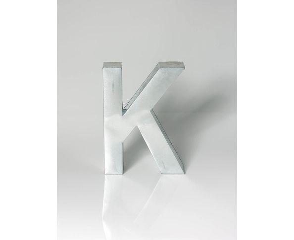 Lettre en métal K - Metalvetica de Seletti