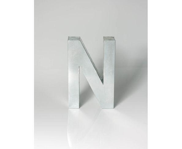 Lettre en métal N - Metalvetica de Seletti
