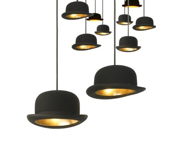 lustres suspensions suspension chapeau jeeves sur deco and me. Black Bedroom Furniture Sets. Home Design Ideas