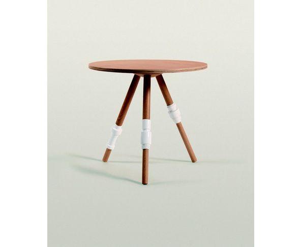 Table basse en bois et porcelaine