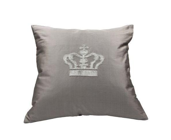 coussins coussin gris en soie couronne sur deco and me. Black Bedroom Furniture Sets. Home Design Ideas