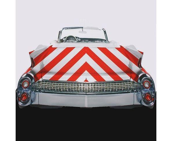 Tableau plexiglas Cadillac bande rouge et blanche