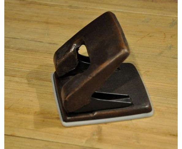 Perforatrice cuir vieilli