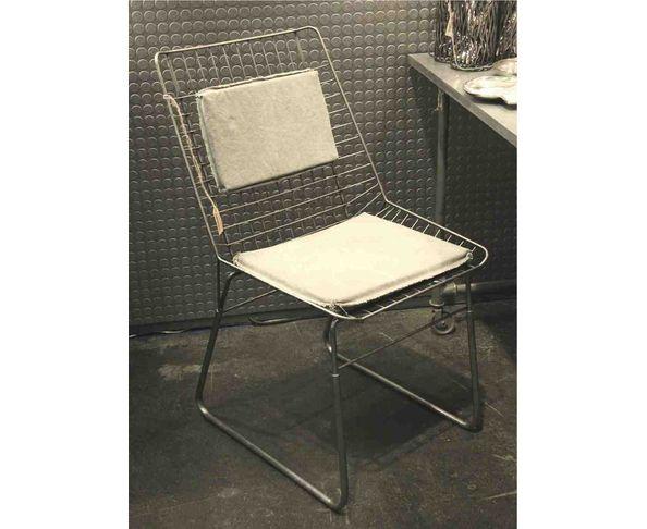 Chaise métal Quadra et coussin vieille bâche - Chehoma