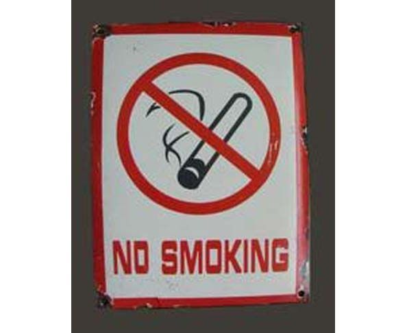 "Plaque ""No smoking"""