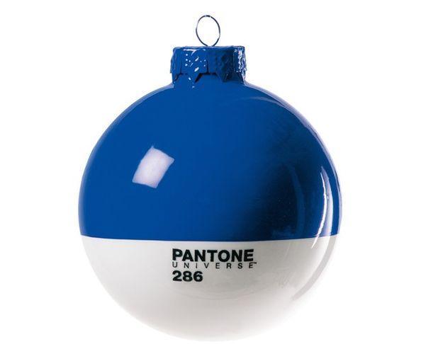Boule de noël en verre Pantone 286 Bleue