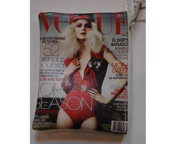 Porte monnaie magazine féminin VOGUE