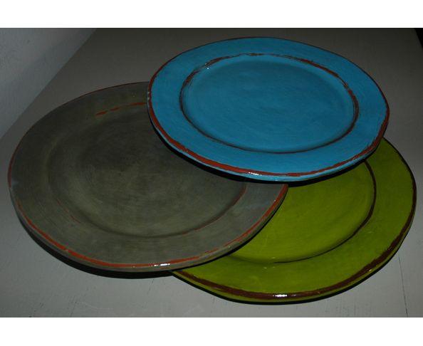 Assiette plate émaillée - Fabrication artisanale