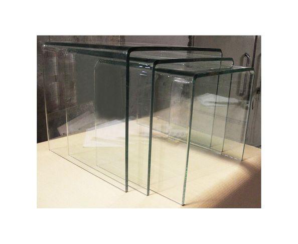 Tables gigognes transparentes