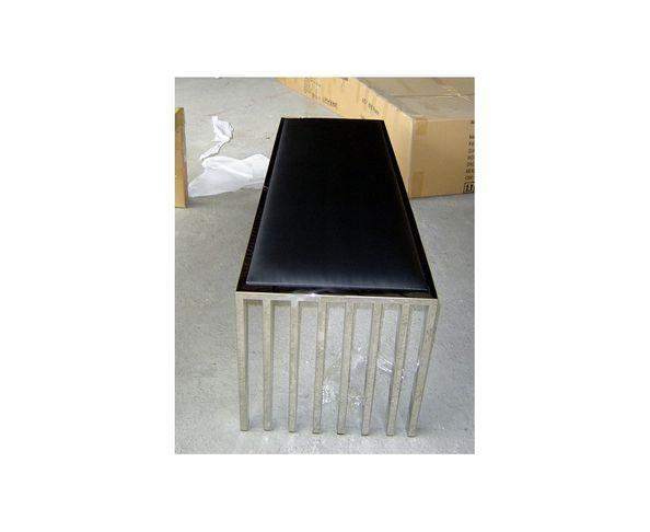 Banc design cuir et acier