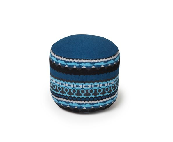 pouf bleu scp sur deco and me. Black Bedroom Furniture Sets. Home Design Ideas