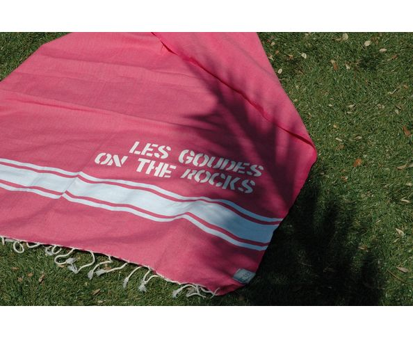 fouta les Goudes on the Rocks Fushia