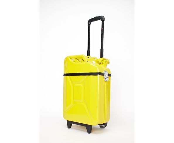 valise jerrican fuel jaune sur deco and me. Black Bedroom Furniture Sets. Home Design Ideas