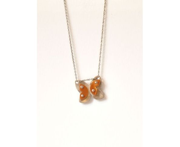 Collier papillon ailes orange, Rebecca Mars