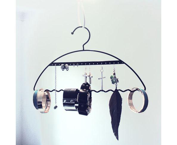 Porte bijoux en forme de cintre Bling Noir
